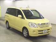 Toyota Noah 2.0 AT FWD 2002