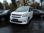 Toyota Noah 2.0 AT FWD 2009
