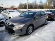 Toyota Camry 1.3 MT 2016
